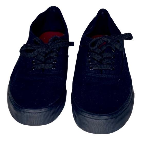 Black Canvas Airwalk Low Top Sneakers Size 7.5